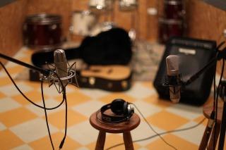 microphone-1003559_1280