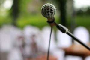 microphone-2479265_1280