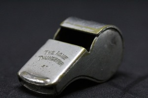 whistle-2465084_1280